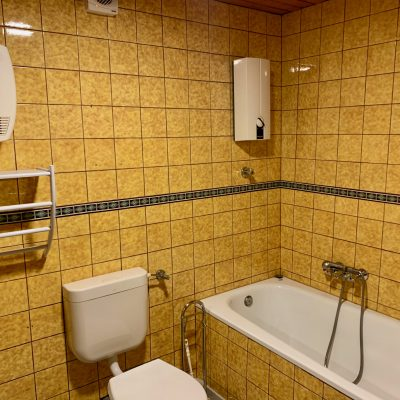Badezimmer - Blick nach rechts
